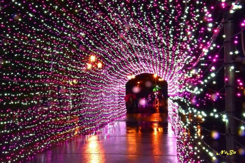 新北市市定古蹟淡水海關碼頭燈海隧道。(林一誠提供)