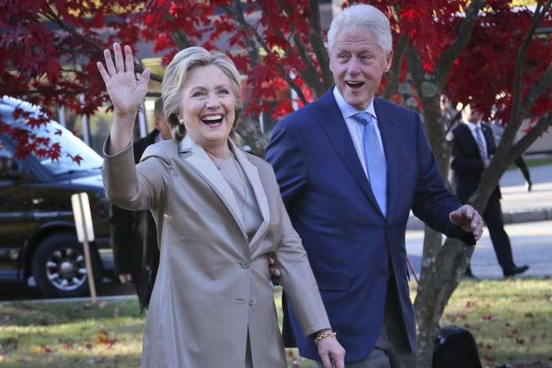 美國前總統柯林頓夫婦(AP)