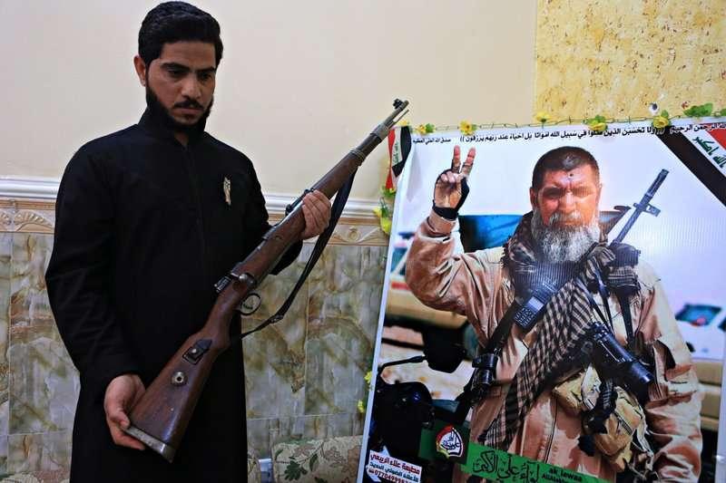 伊拉克什葉派軍團的狙擊手薩爾西,戰死後獲得崇高讚譽。(美聯社)