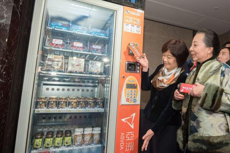 近期中國、美國與台灣都掀起一股無人商店的風潮,但不妨先從省力化的角度降低對店鋪對勞動力的依賴,或許也不失一個聰明的選擇。(資料照,圖/群信行動提供)
