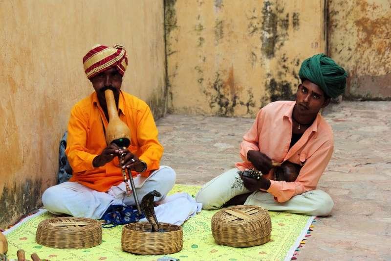 印度至今仍有許多惡習與惡法,對弱勢群體相當不友善。(示意圖/DEZALB@pixabay)