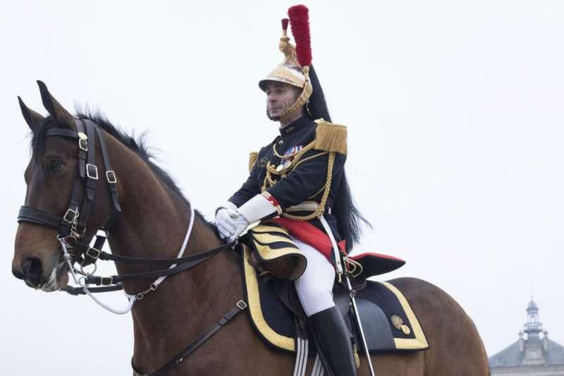 法國總統馬克宏訪問中國,禮物之一是一匹駿馬!(AP)