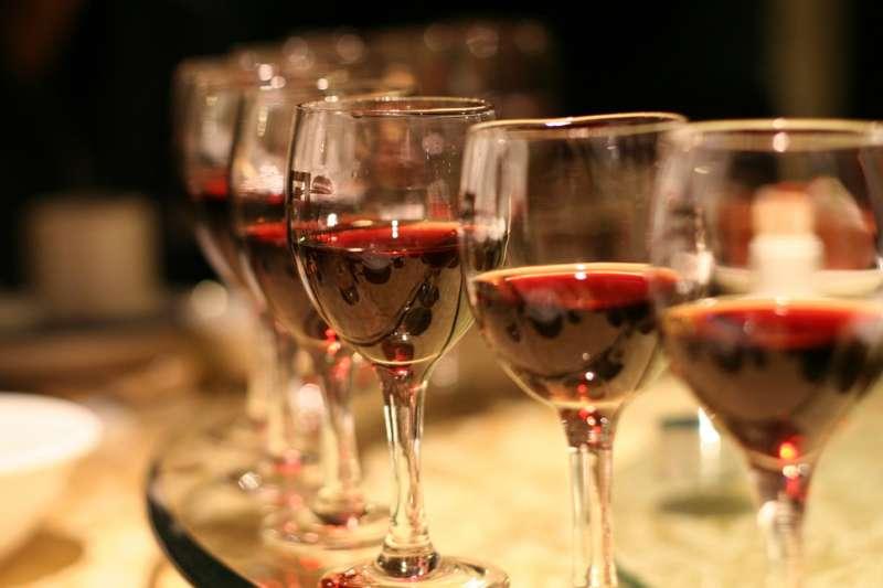 開胃酒、餐後酒是什麼?1920年代的優雅法國人都選擇喝這些酒…(圖/noviceromano@flickr)
