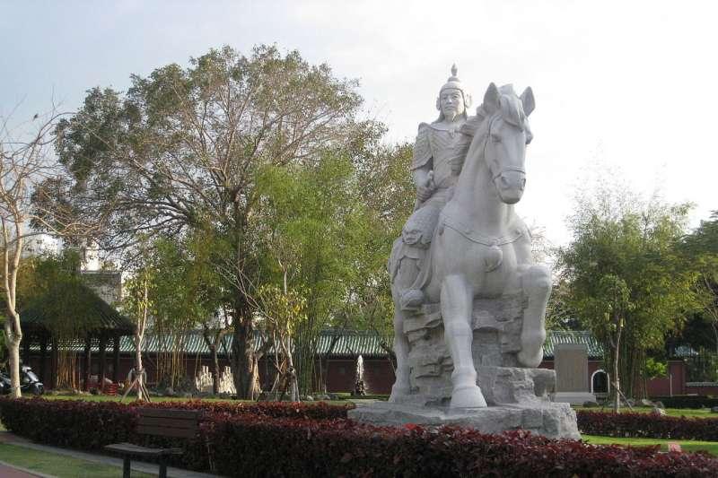 台南平郡王祠的鄭成功像。(取自維基百科)