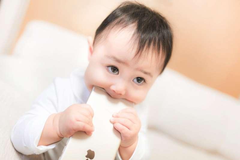 如果家有特殊兒,更需要家長的愛和接納,貼上標籤會讓孩子得不到公平對待。(示意圖非本人/pakutaso)