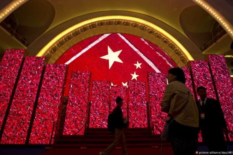 中國向何處去?能否順利走出歷史的三峽,走向現代文明康莊大道?(資料照)