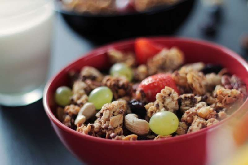 常態適量的吃堅果可以促進我們的心血管健康。但有沒有注意到份量是多少呢?其實每天只要一份就夠囉!(圖/pexels)