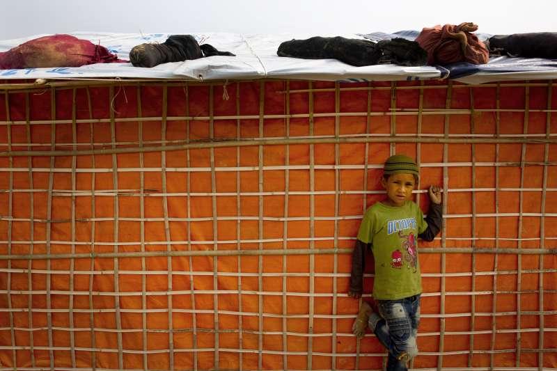 位在孟加拉難民營的羅興亞小孩。(美聯社)