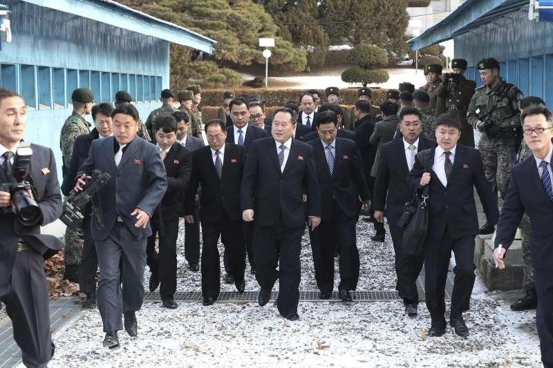 2018年1月17日,兩韓在板門店韓方一側舉行副部長級冬奧工作會談(AP)