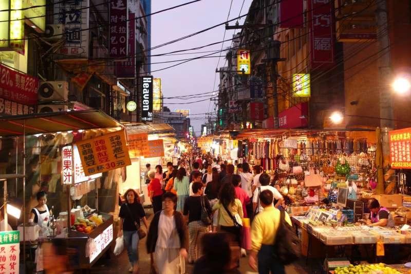 台灣的觀光業不一定要靠陸客,還有很多國家的遊客也都很有消費實力。(示意圖/Yu-Ching Chu@flickr)