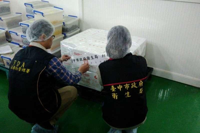台中市食藥處查獲糖果工廠使用逾期配料,問題產品全面下架回收。(取自台中市食品藥物安全處網站)