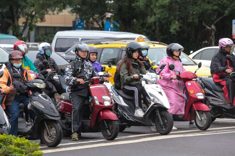 防堵檢舉魔人!交通違規檢舉將採「實名制」明年元旦就上路-風傳媒