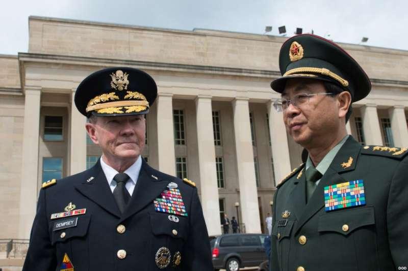 2014年5月14日,美國陸軍上將, 參謀長聯席會議主席鄧普西和中國人民解放軍總參謀長房峰輝。