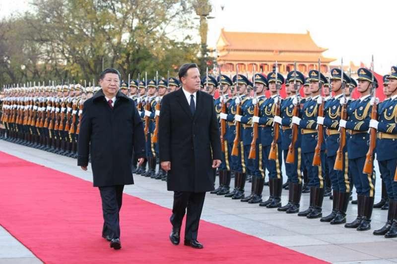 巴拿馬總統巴雷拉訪問中國。(新華社)