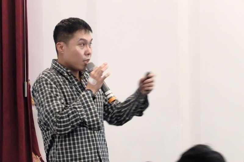 高雄大學取得政治法律碩士、目前於德國就讀博士班的講者鄭嘉瑩。(謝孟穎攝)