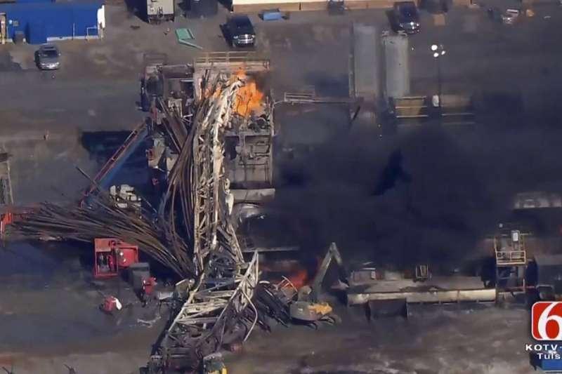 奧克拉荷馬州東部小城昆頓的鑽油平台爆炸,5人失蹤。(美聯社)
