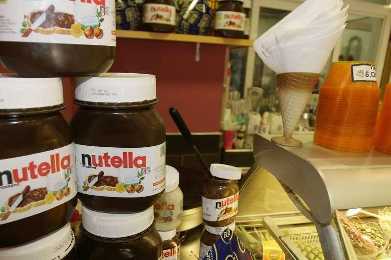 能多益巧克力醬在法國掀起搶購潮,民眾血濺超市,店家只能報警。(美聯社)