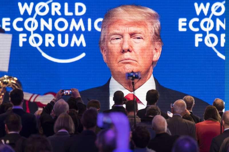 美國總統川普岀席2018瑞士達沃斯世界經濟論壇。(美聯社)