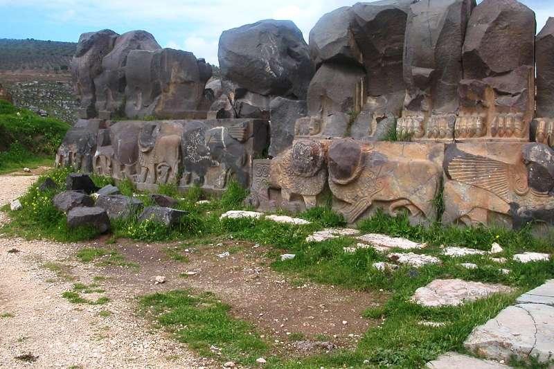 位於敘利亞、有3000年歷史的艾因達拉神廟,近日遭土耳其轟炸摧毀。(美聯社)