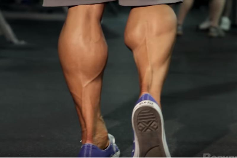 會有蘿蔔腿,不一定是小腿太壯?(示意圖/ Bodybuilding.com@youtube)