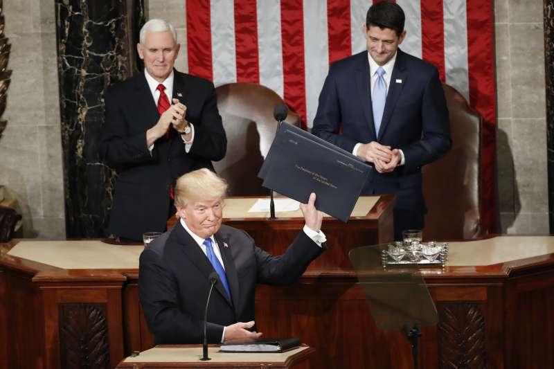 美國總統川普1月30日發表國情咨文演說(美聯社)