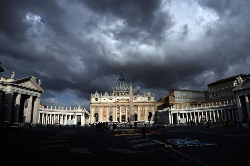 主教任命爭議,讓梵蒂岡陷入茶壺風暴。(美聯社)