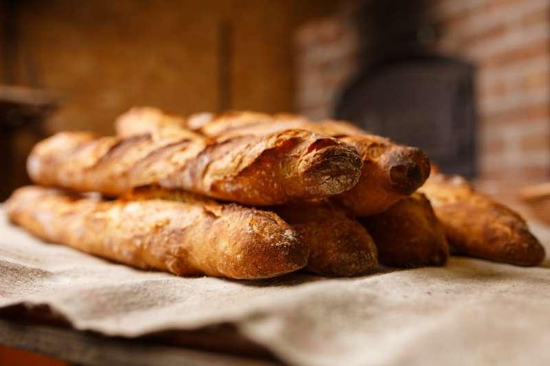 法國長棍麵包,其實擁有外人無法想像的文化地位。(圖/Pexels)