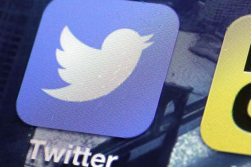 社群網站推特(Twitter)今天公布財報顯示用戶量負成長,股價應聲暴跌21%。(資料照,AP)