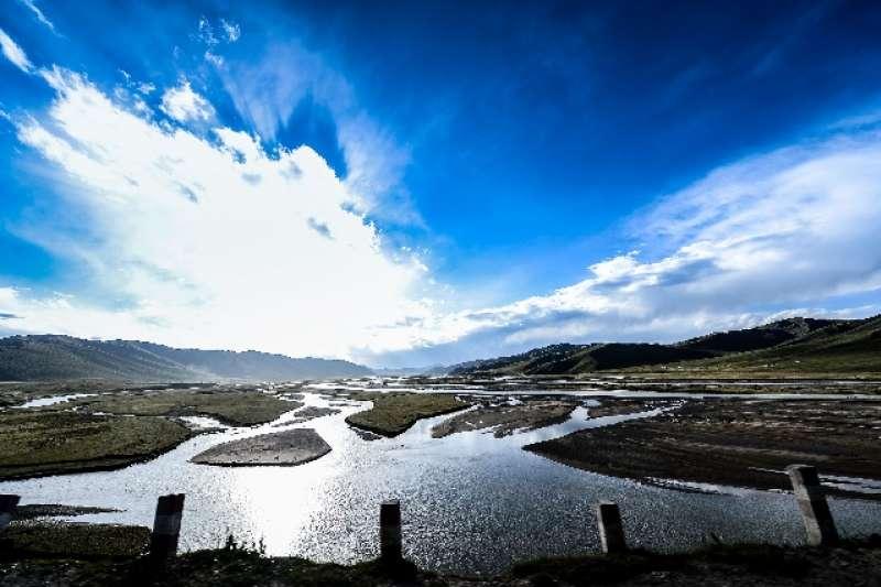 青海果洛藏族自治州達日縣的黃河大橋。(資料照,新華社)
