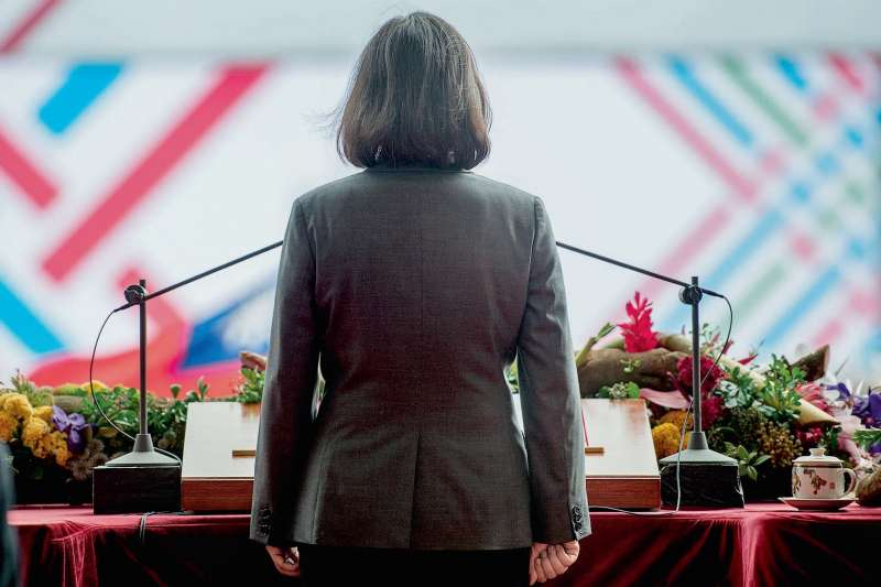 作者指出,總統蔡英文如果繼續缺乏執政擔當,總統之路絕對坎坷難行,接下來的九合一大選,對她來說,就是一個擺在眼前的考驗。(多維觀點)