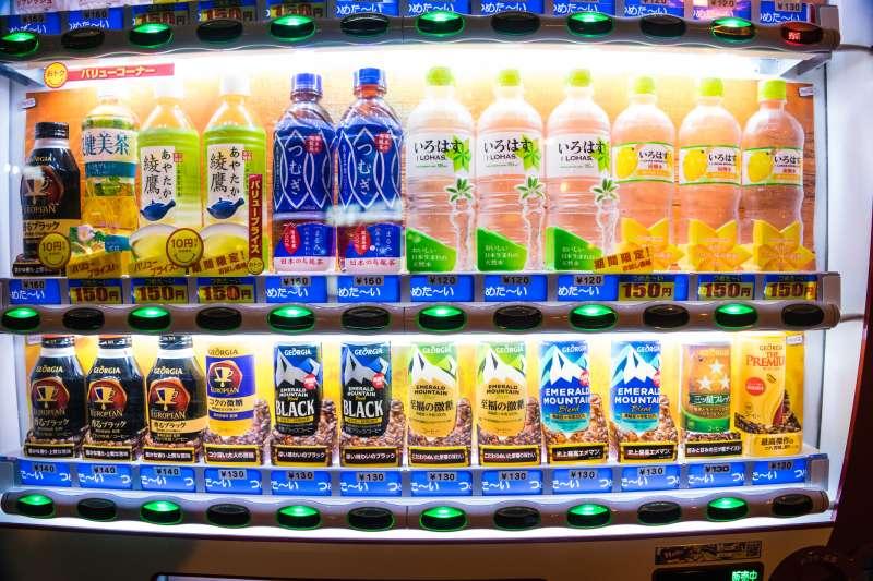 日本人強烈的環保觀念,或許跟他們的販賣機普遍、垃圾量大有關係。(圖/gamemall104@Flickr)