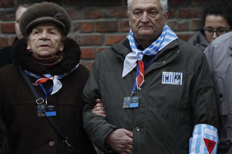 猶太人大屠殺倖存者造訪位於波蘭的奧斯威辛集中營,出席國際猶太大屠殺紀念日活動(AP)