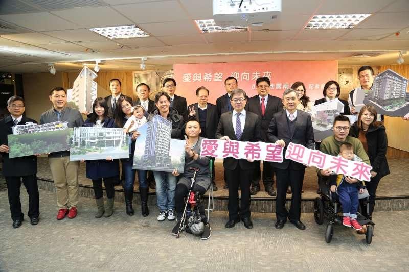 南台強震將屆滿兩周年,台南市長李孟諺率領相關局處舉行記者會,表達市府「全程陪伴,持續關懷」的堅定信念。(圖/台南市政府提供)