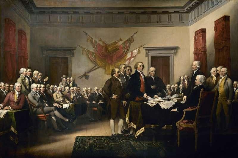 「後來,我發現美國諸位建國先賢裡,買下最多本佩帝.德拉克魯瓦所著傳記的人是湯瑪斯.傑佛遜,隨之得到一個重要線索。傑佛遜是美國「獨立宣言」的作者,買了數本此傳記的法文原版,當禮物分送他人。」圖為約翰·杜倫巴爾(JohnTrumbull)名畫,紀錄湯瑪斯·傑佛遜(Thomas Jefferson)等5人小組,向大會上呈《獨立宣言》起草成果。(取自維基百科)