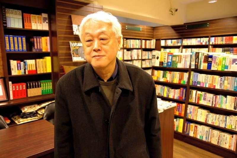 「鴻儒堂」的老闆黃成業已70歲,他無畏實體書店難經營,不但繼續開門賣書,還持續為白色恐怖受難者出版日文書。(圖/鴻儒堂書局股份有限公司@facebook)