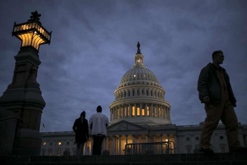美國聯邦政府現有預算到8日用完,正待聯邦參議院審核新的《臨時開支法案》(AP)
