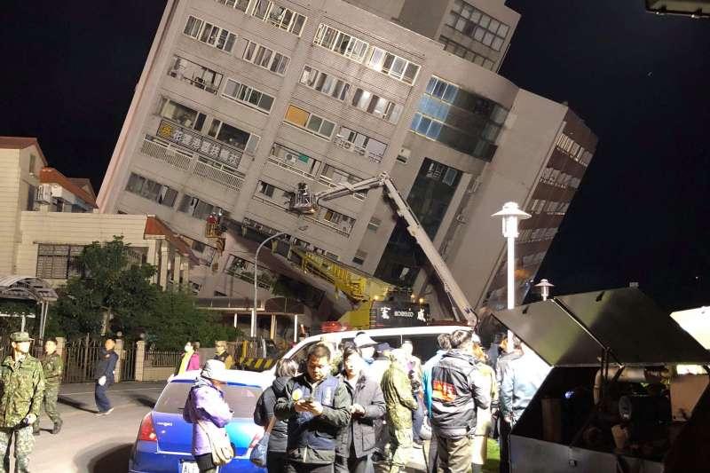 花蓮發生大地震,雲門翠堤發生傾倒狀況。(花蓮港長老教會牧師林維道提供)