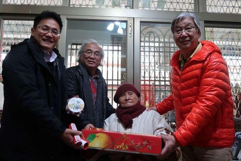 屏東縣政府拜訪十位資深藝術家,資深藝術家最年長者為高齡96歲的莊世和,他所創辦的綠舍美術研究會,是南臺灣歷史最悠久的藝術社團。(圖/屏東縣政府提供)