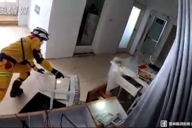 雲翠搜救影片曝光!地震房屋傾斜造成「恐怖空間錯覺」增救援風險!