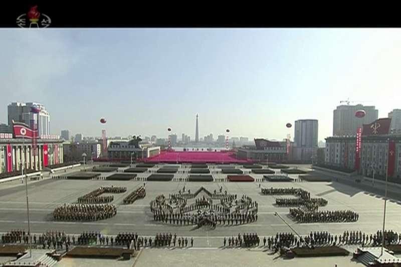 朝鲜人民軍建軍70周年閱兵式。(美聯社)