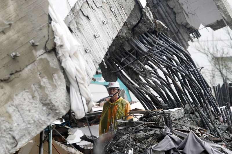 2018年2月花蓮地震災情嚴重,建築物耐震安全性再受關注(AP)