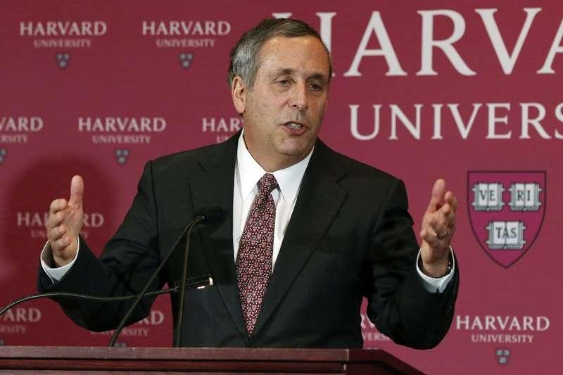 哈佛大學第29任校長巴考發表演說,誓言保護「逐夢者』學生。(AP)