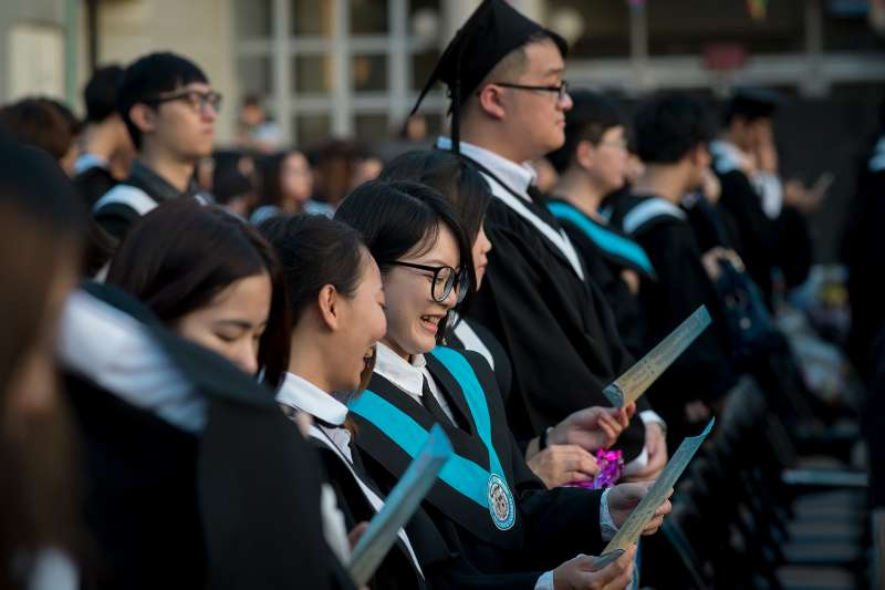 根據教育部統計處全國資料,近年國內光是四年制大學每年近百萬在學生,每年都有5、6萬人辦理休學。(資料照,總統府@Wikipedia/CC-BY-SA-3.0)