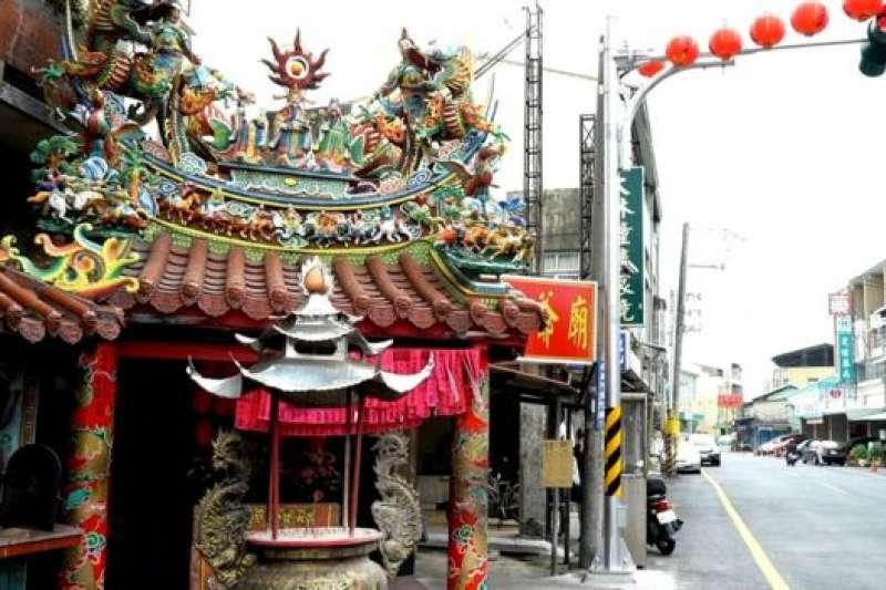 台灣廟宇的密度比便利商店還高。(BBC中文網)