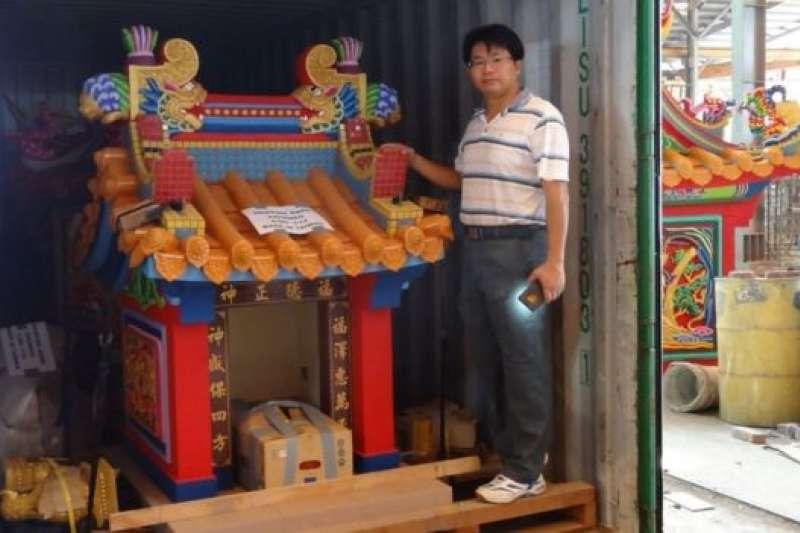 泰國台商訂購,凖備運往泰國的寺廟。(BBC中文網)