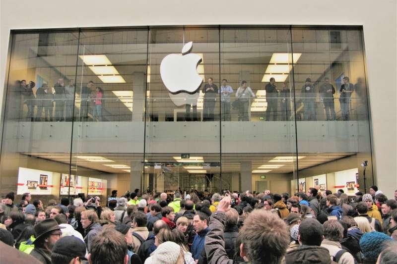 一樣都是產品漲價,為何有的店面依舊大排長龍、有的卻因此倒閉呢?這個原則,做生意的人都應該要懂!(圖/Thomas Cloer@flickr)