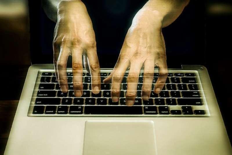 愈來愈多惡意挖礦程式在網路上流竄,令許多人在不知不覺中被綁架成免費勞工,傻傻幫駭客賺錢。(圖/Blogtrepreneur@flickr)