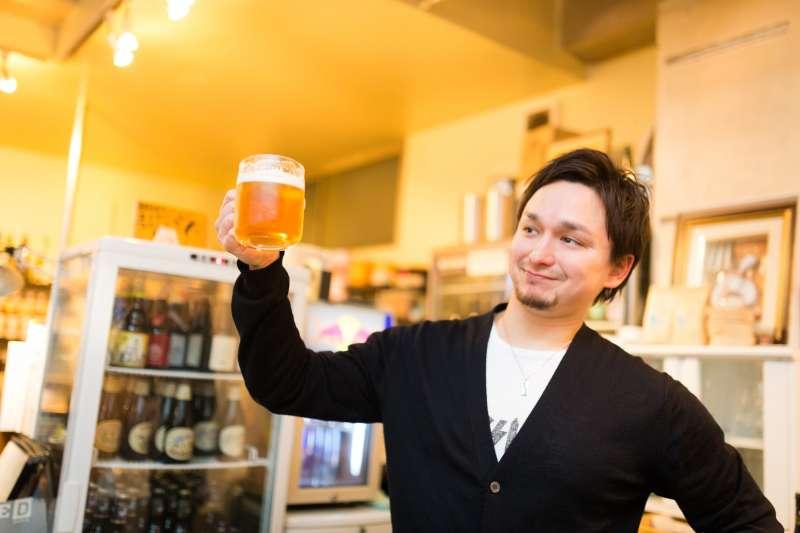 喝啤酒真的可以預防腎結石嗎?(示意圖/pakutaso)