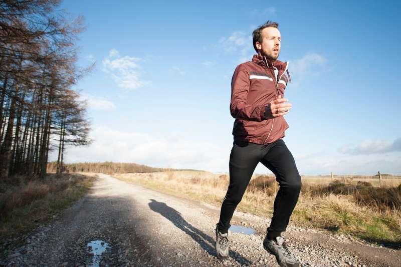 很多人都知道跑步的好處,但找到動力卻沒那麼容易。(圖/StockSnap)