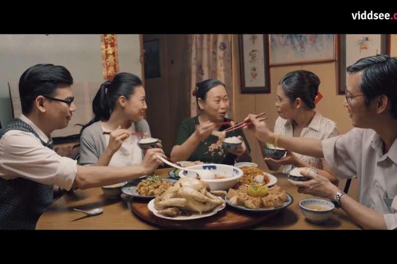 以後除夕就無法回家吃團圓飯了...微電影道出單親女出嫁心酸!